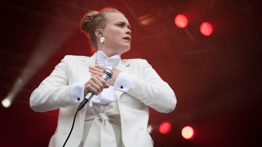 Seksstjernet sangerinde giver koncert med Copenhagen Phil