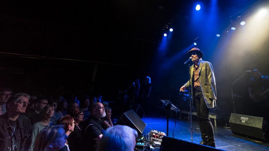 Danske stjernesangere hylder Leonard Cohen på turné