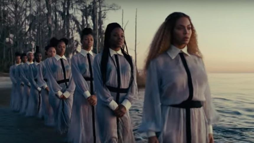 Disse kvindelige musikere omsætter for mest