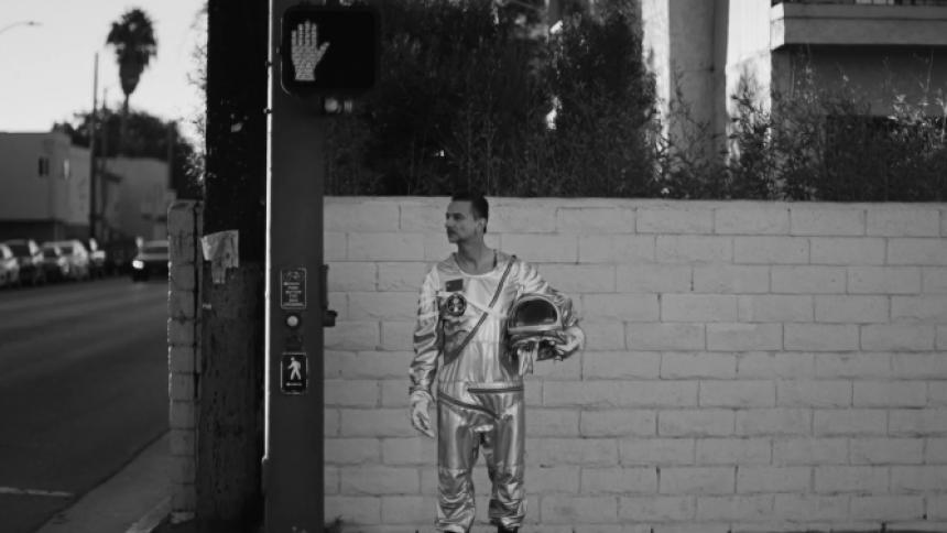 Dave Gahan som ensom astronaut i ny Depeche Mode-video