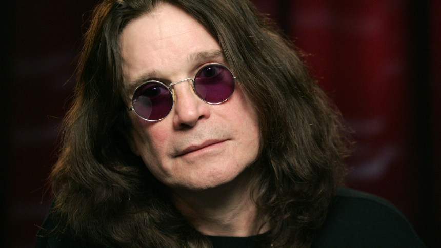 """Ozzy Osbourne kæmper efter et års """"rendyrket smerte"""""""