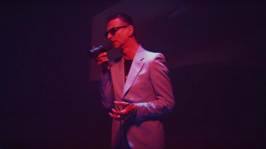 """Depeche Mode laver drømmende elektro-udgave af Bowies """"Heroes"""""""