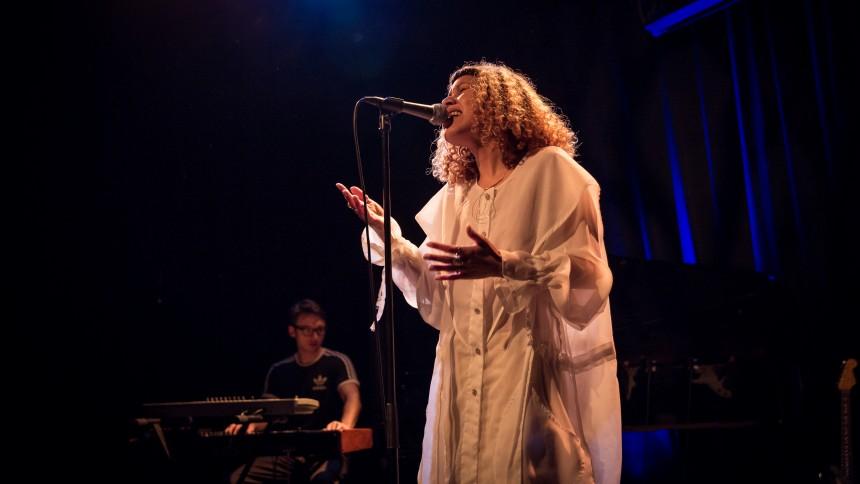 Charlotte Dos Santos (NO) - FÅ BILLETTER