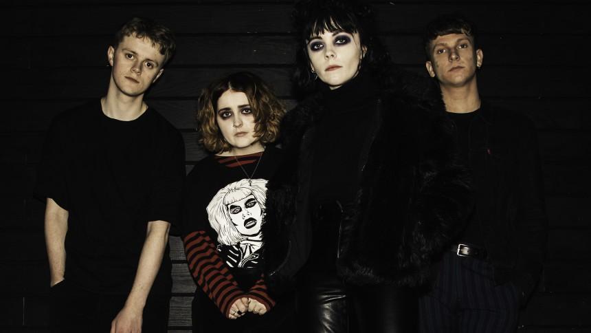 De bliver store i 2018: Engelske Pale Waves giver 80'er-indierocken et moderne poptvist