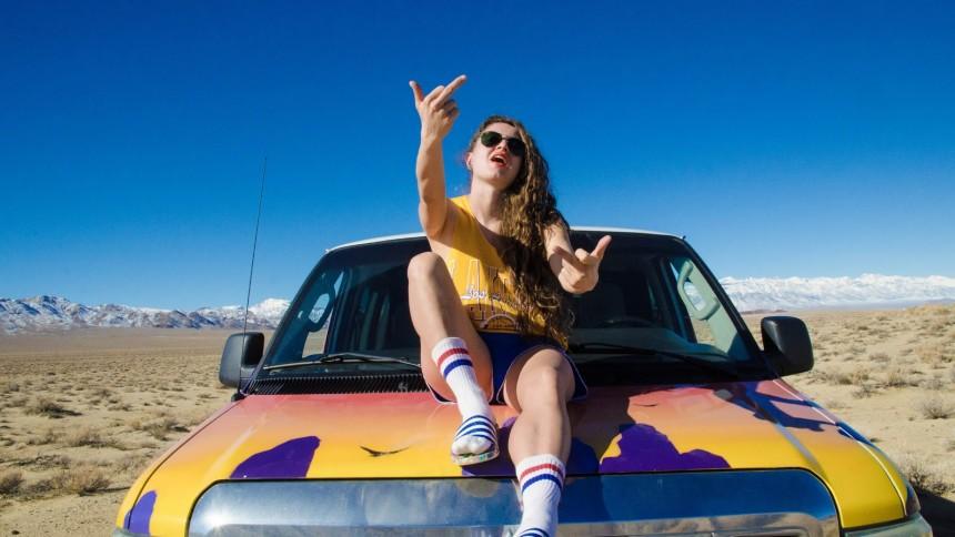 Smukfest-aktuelle Nikoline er tilbage med ny sang
