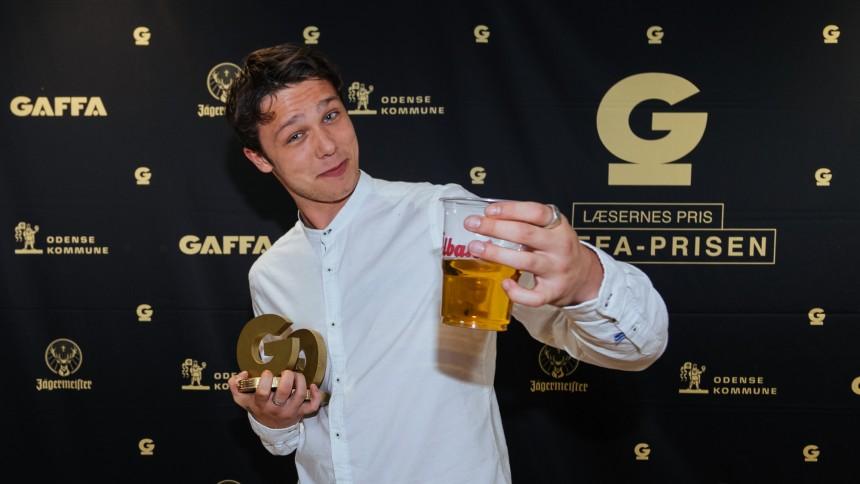 Dobbelt GAFFA-Pris-vinder Hugo Helmig: – Jeg har det så vildt, at jeg var ved at snuble
