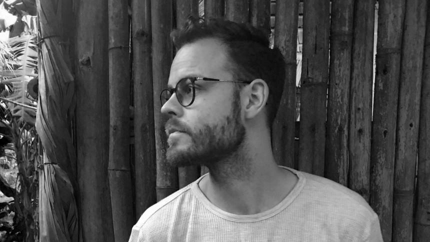 Rasmus Thude er tilbage efter fire år – nu på engelsk