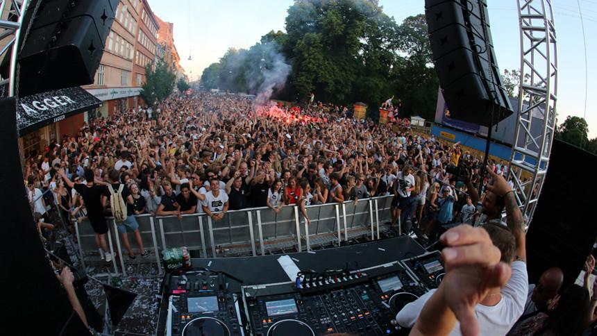 Distortionklar med musikscener til årets gadefester