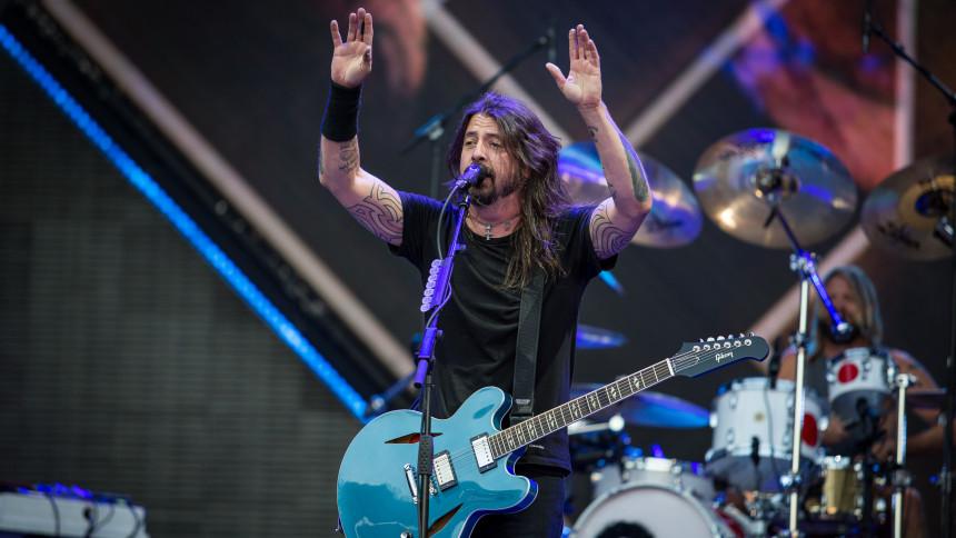VIDEO: Dave Grohl hylder Cornell sammen med medlemmer af Metallica og Audioslave
