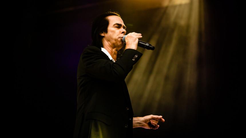Nick Cave giver solokoncert online