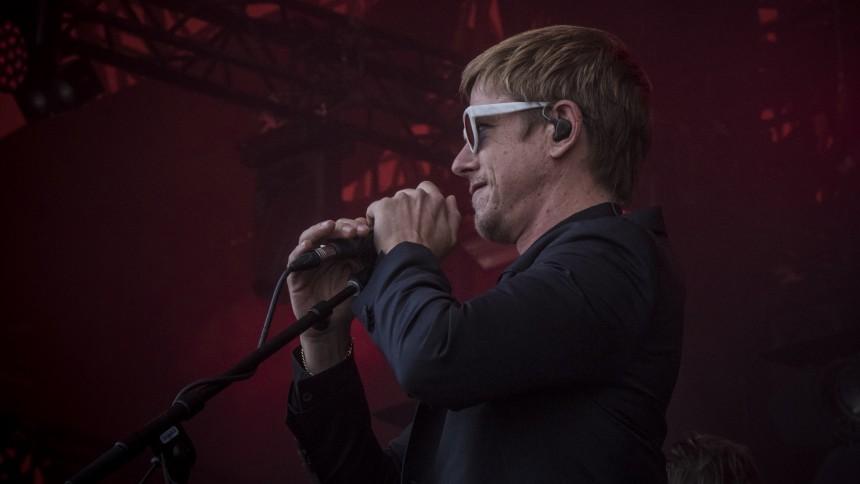 Interpol ude med ny single