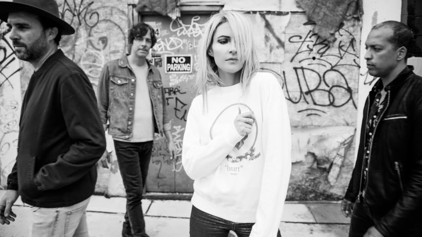 Indie-rock-bandet Metric gæster Danmark