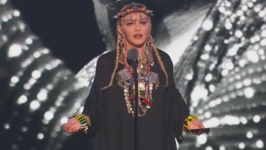 Madonna svarer igen på hård kritik