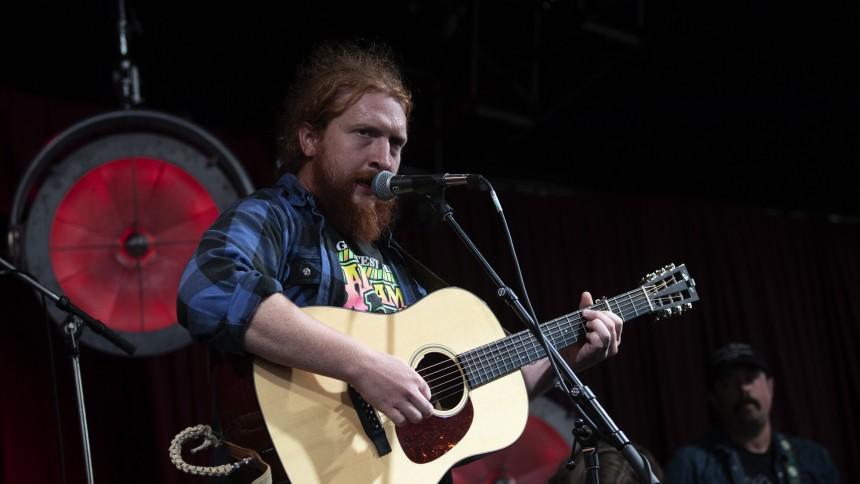 Countrysangeren Tyler Childers til Danmark
