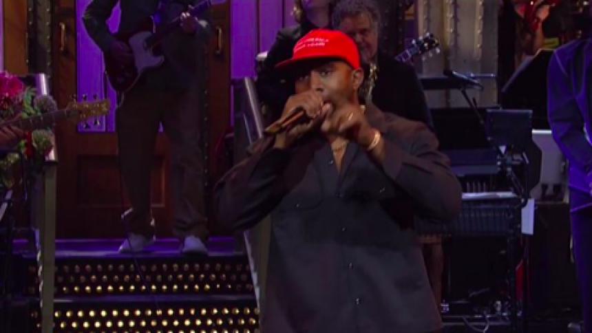 Kanye West støtter Donald Trump i bizar optræden