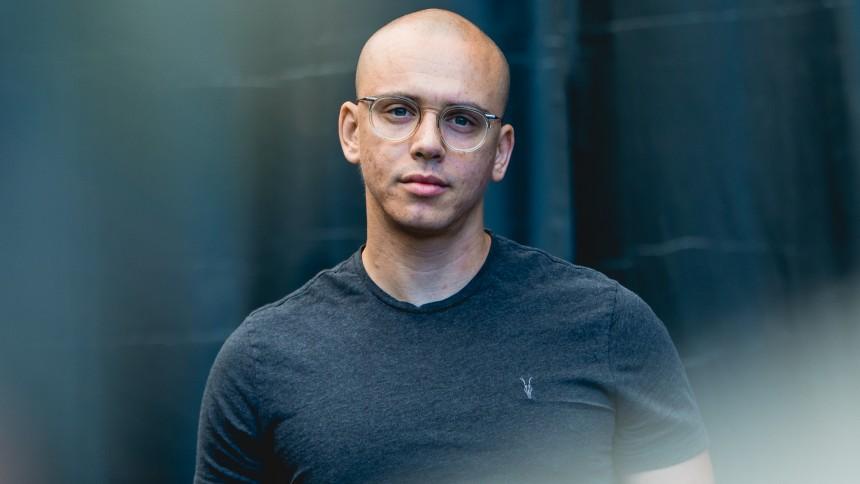 Logic annoncerer album med ny sang og blodig musikvideo