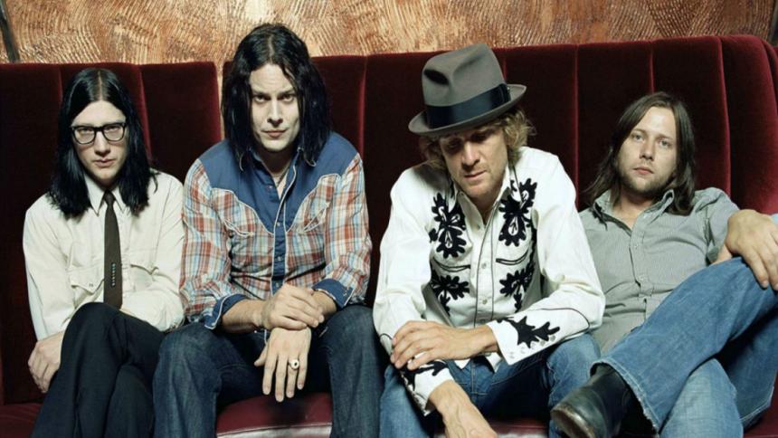 Hør The Raconteurs' to første nye sange i 10 år