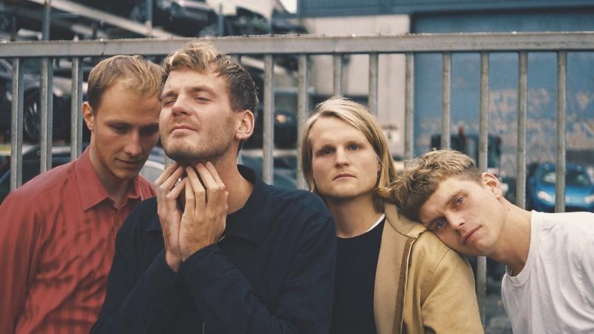 ANMELDELSE: Fugleflugten blotter sig på flot debutalbum