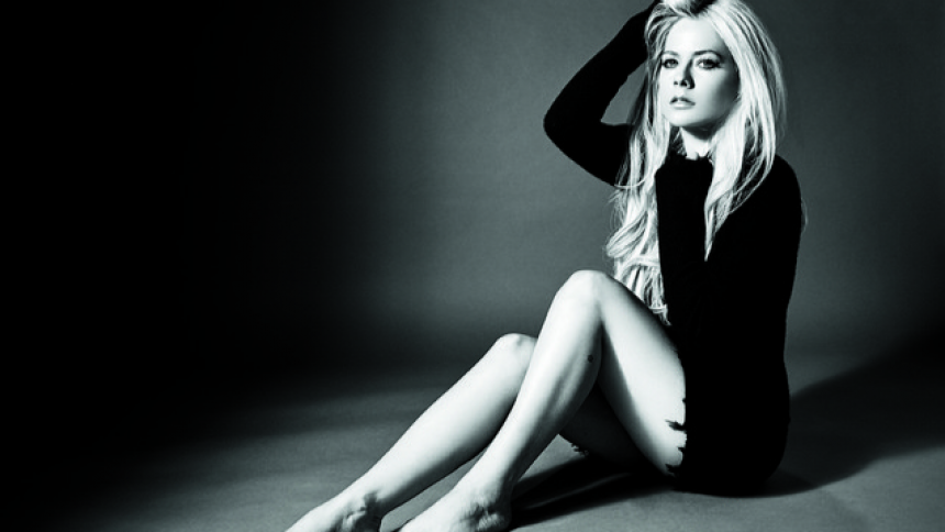 ANMELDELSE: Hvem f*** lytter stadig til Avril Lavigne?