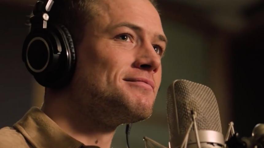 Rocketman-skuespiller synger som Elton John til perfektion