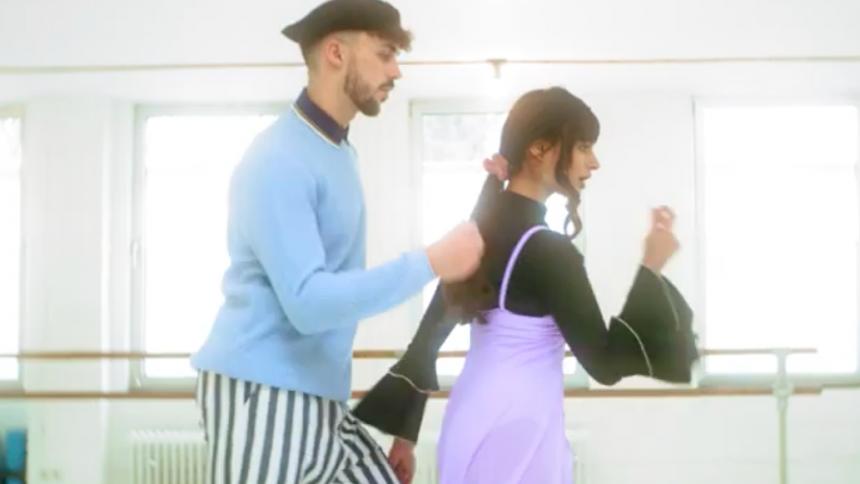 VIDEO: Dans amok til Kakkamaddafakkas nye upbeat single