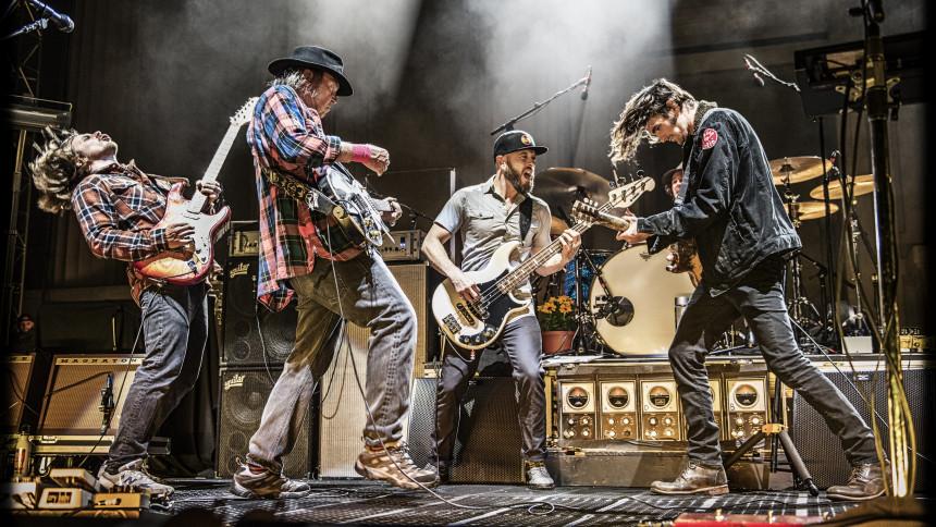 Neil Young kommer til Danmark