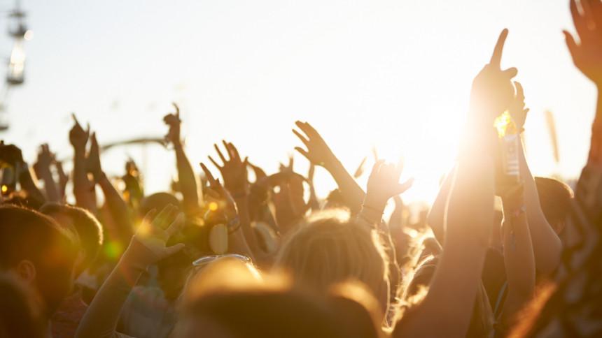 Få råd til sommerens koncertbilletter