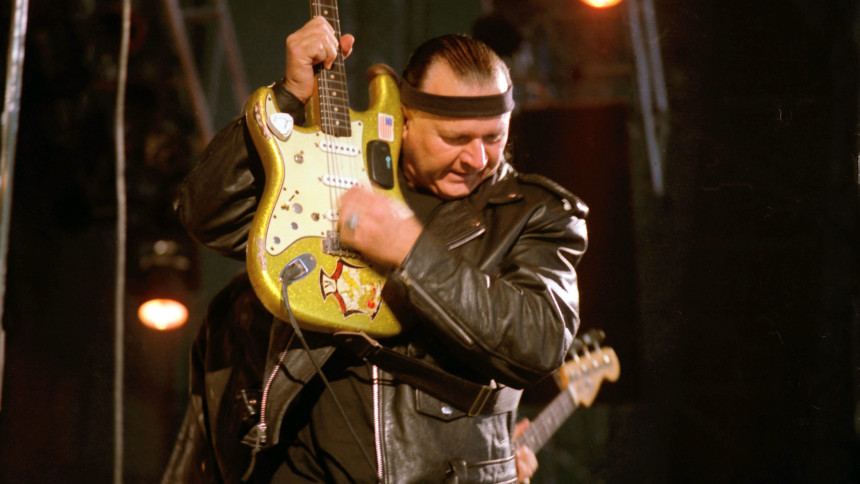 Guitarlegenden Dick Dale er død