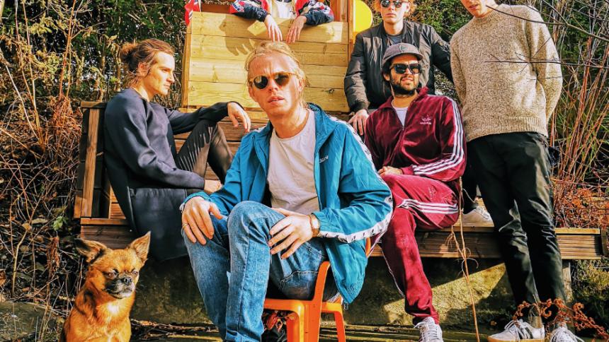 Det norske band med det særegne navn leverer store popsange