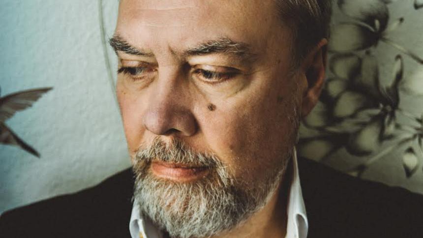 60-års fødselaren og 80'er-hitmageren Poul Halberg udgiver ny single og video