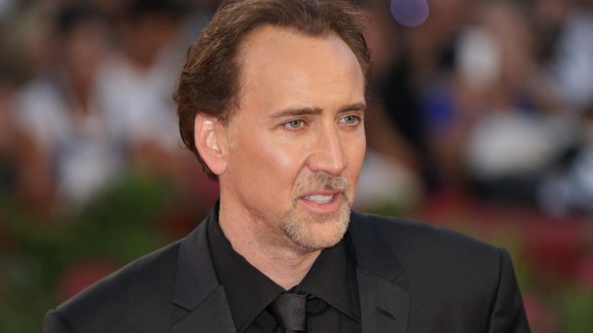 "Se Nicolas Cage i bizart karaoke-cover af ""Purple Rain"""
