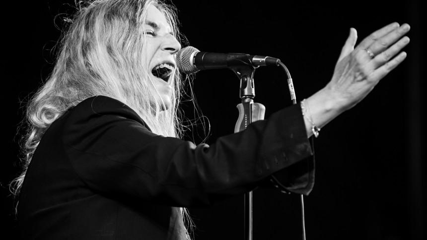 VIDEO: Patti Smith synger for valg-ventende newyorkere