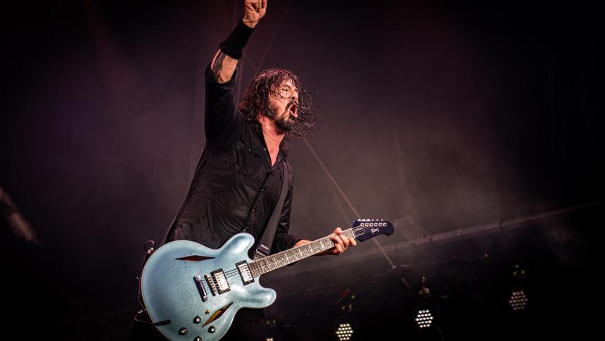 """Dave Grohl skriver essay om livemusikkens fremtid: """"Vi er nødt til det"""""""