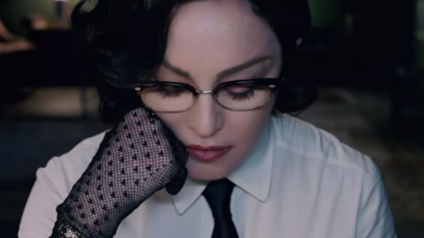 Madonna kræver mere våbenkontrol i stærk video