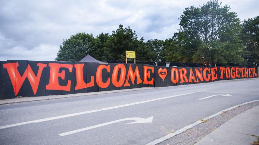 FOTOSERIE: Højt humør på Roskilde i warm up-dagene