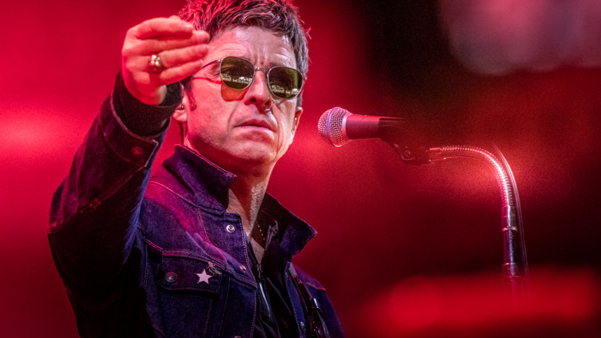 Noel Gallagher udsender ny ep –og sviner Liam