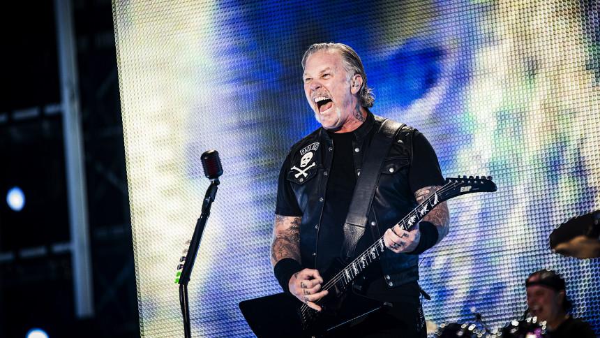 "Se Metallica spille ""Moth Into Flame"" med San Francisco Symphony Orchestra"
