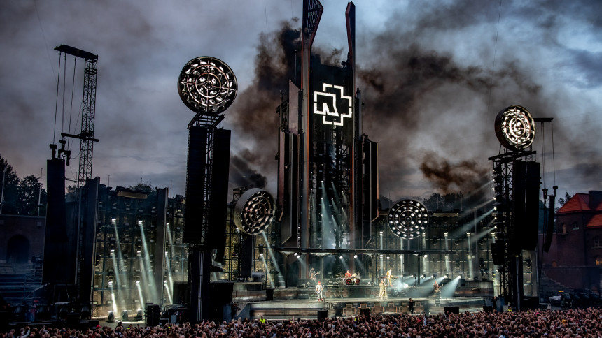 TIMELAPSE-VIDEO: Se Rammsteins vanvittige sceneshow blive skabt på to minutter