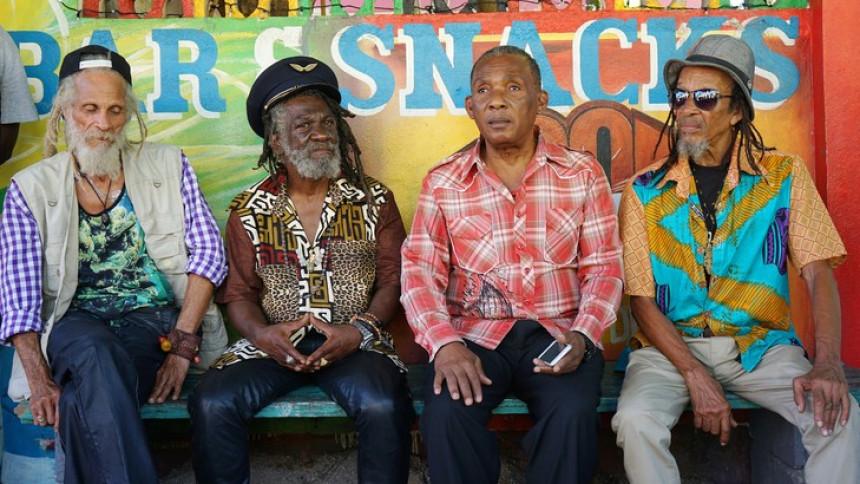 ANMELDELSE: Reggae i baghaven