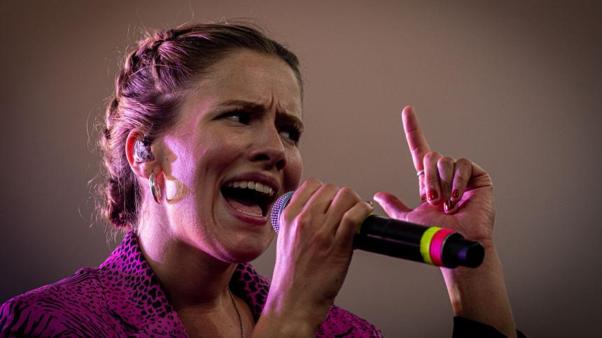 ANMELDELSE: Norges næste internationale popstjerne?