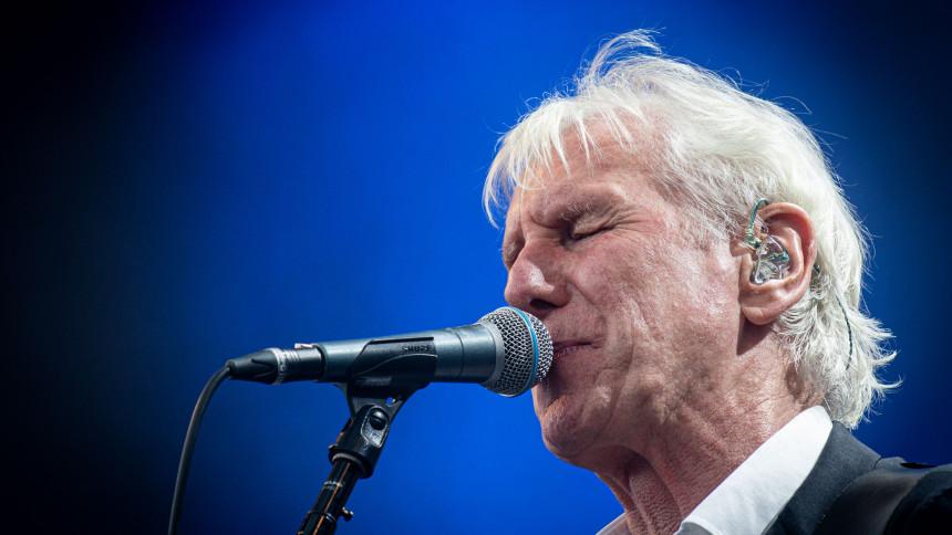 ANMELDELSE: Far til fire årtiers sangskat i storform på Bornholm