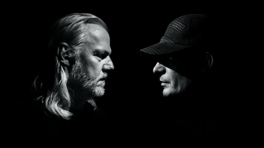 Sort Sol-guitarist og billedkunstner skaber live-værk
