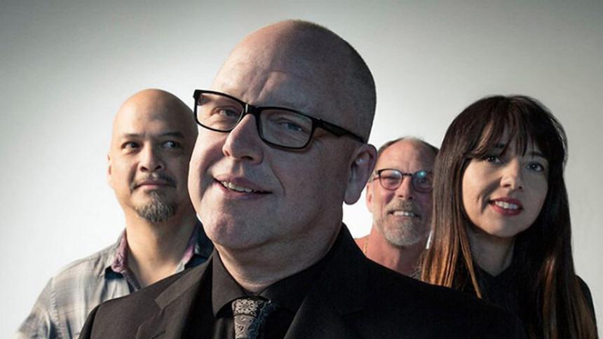 Snyd eller slik? Who cares? Pixies er tilbage!