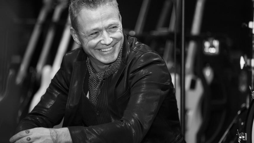 Thomas Helmig klar med dato for udskudt stadionkoncert
