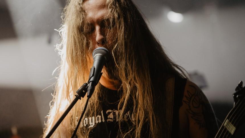 Solid underholdning på streaming-metal-festivals første dag