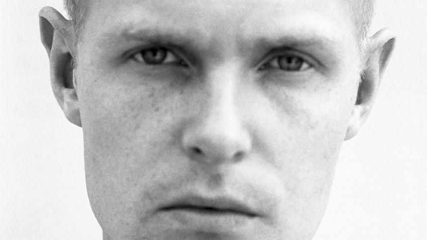 Niels Brandt indlæser ikonisk digtsamling af Michael Strunge