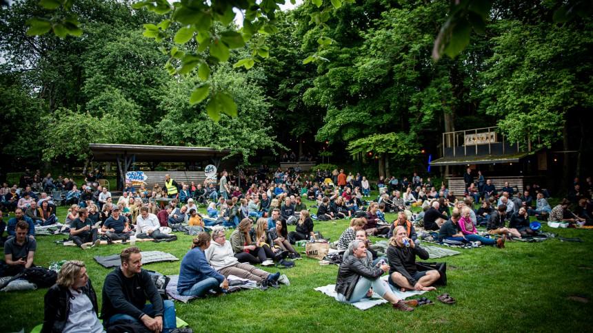 GUIDE: Her er julis mest spændende koncerter – med siddepladser og afstand