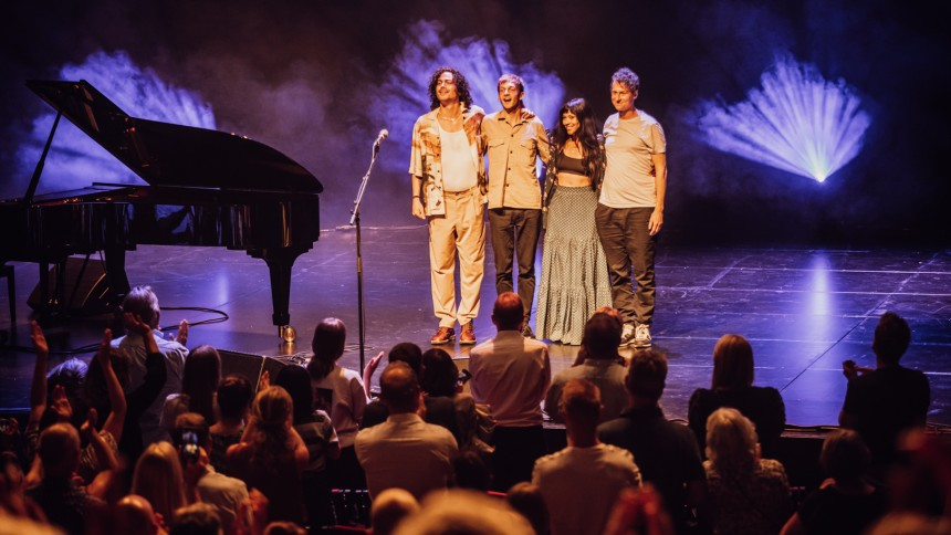 Genfinder livemusik-euforien med publikum