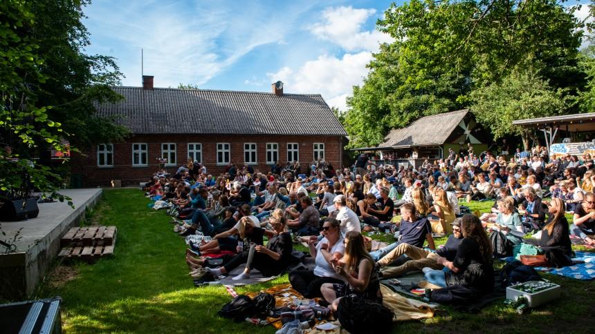 GUIDE: Her er august måneds mest spændende koncerter – med siddepladser og afstand