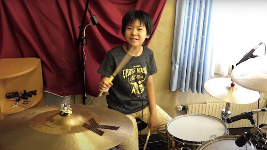 VIDEO: 10-årigt geni spiller udfordrende Rush-klassiker